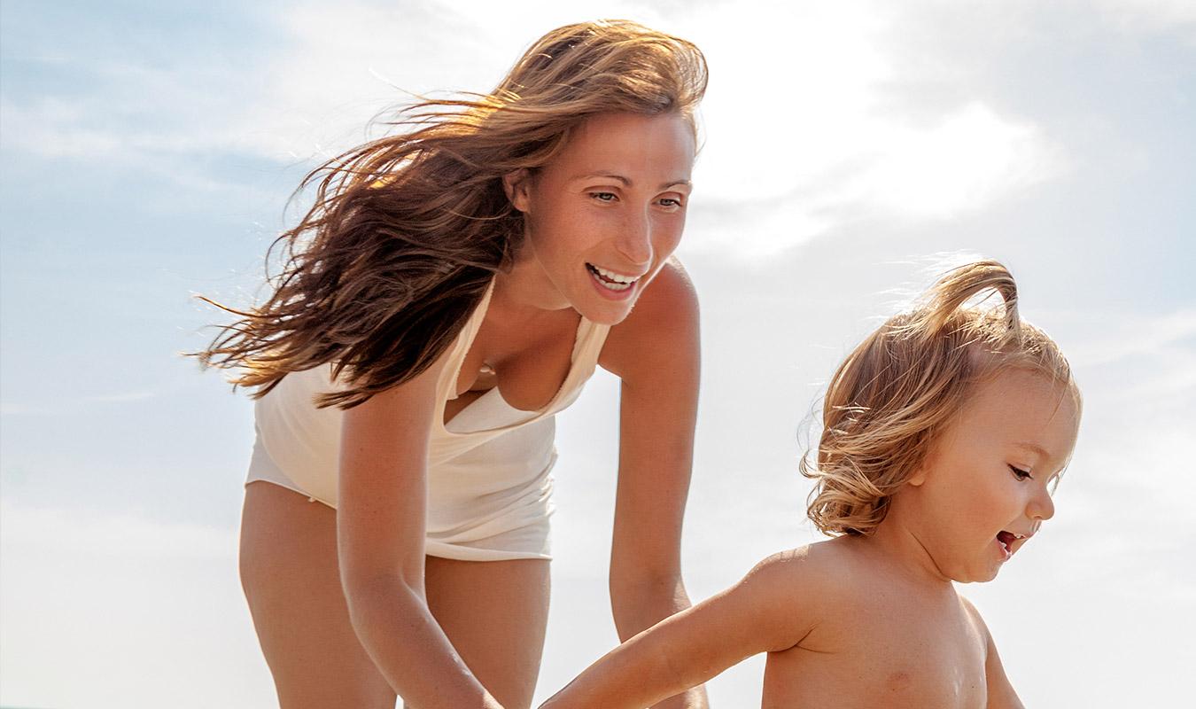 Comment-faire-un-Spray-cheveux-fait-maison-pour-une-effet-Beach-Waves-DIY - Le blog du visage